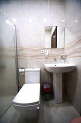 Трехместный номер с собственной ванной комнатой